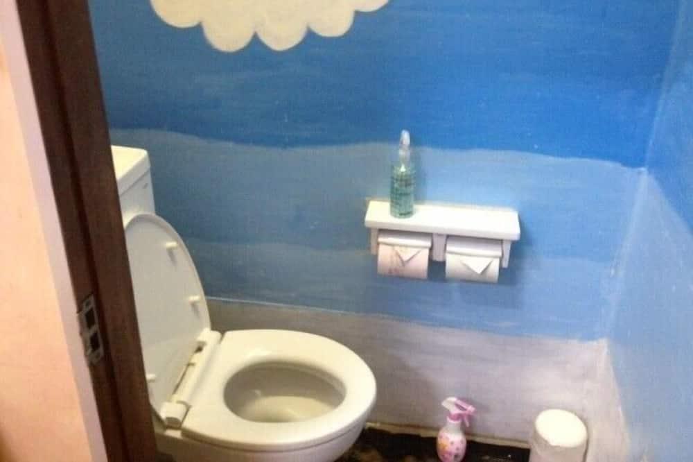 Gemeinsamer Schlafsaal, Nur Frauen, Gemeinschaftsbad - Badezimmer