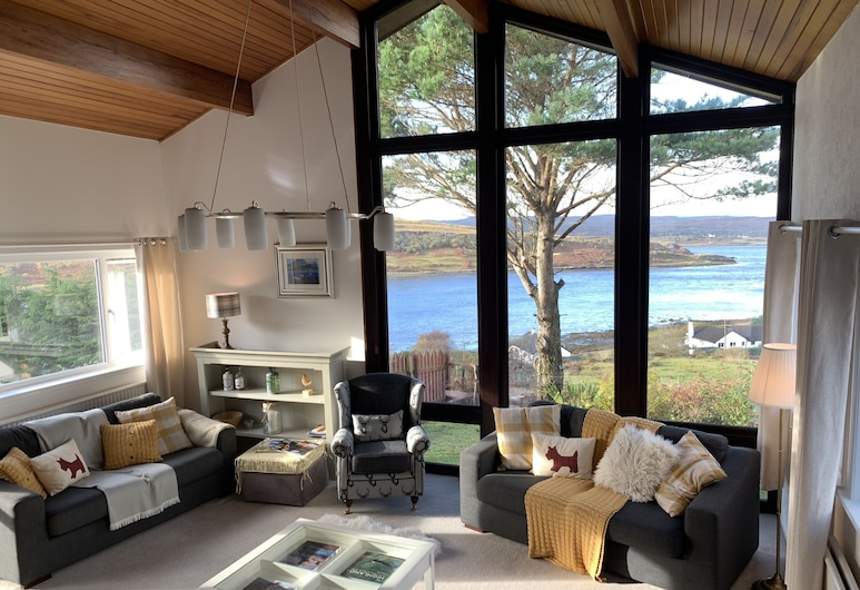 Loch Eyre House, Portree, Living Area