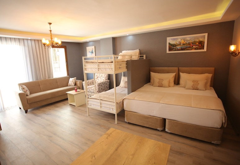 Artist Rooms Suites, İstanbul, Family Daire, Oda