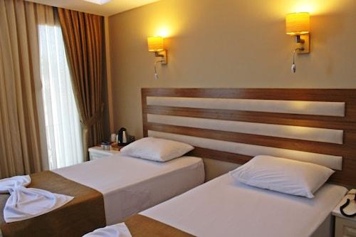 费萨酒店/