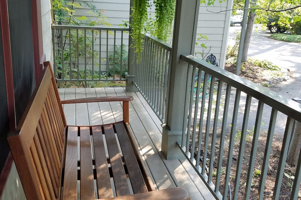 Wooded King Cottage - Terrace/Patio