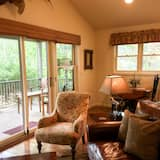 Deluxe River Cottages  (202162546) - Living Area