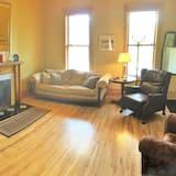 Deluxe House, 5 Bedrooms, Terrace - Living Room