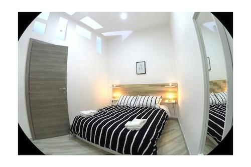 ナポリ中心部の新しく快適なアパート/
