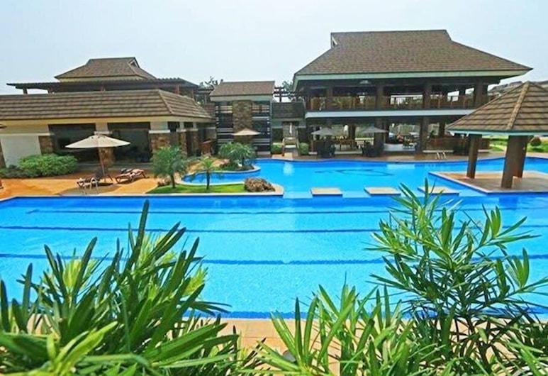 Sta. Maria Homes at One Oasis Cebu Condo, Cebu, Kolam Renang Luar Ruangan