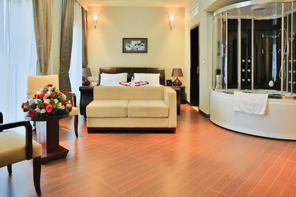 Executive Suite, 1 King Bed, Hill View - Guest Room