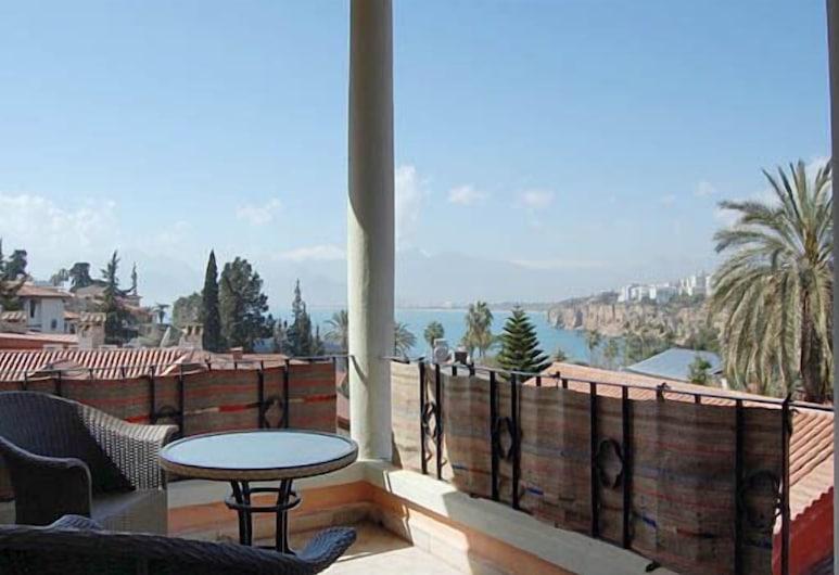 Villa Tulipan, Antalya, Suite, Sea View, Balcony