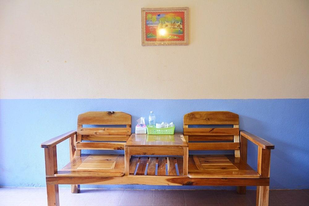 Standard Fan Twin Room - Зона гостиной