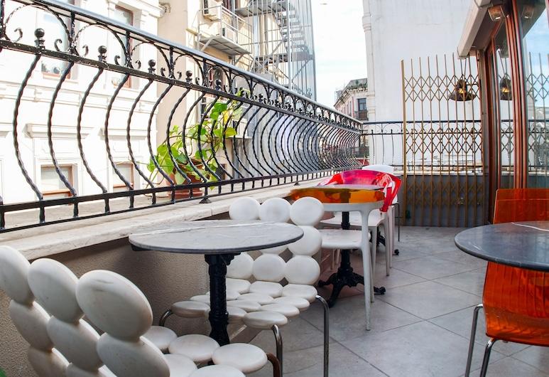 Stay Inn Taksim Hostel, Istanbul, Terrasse/veranda