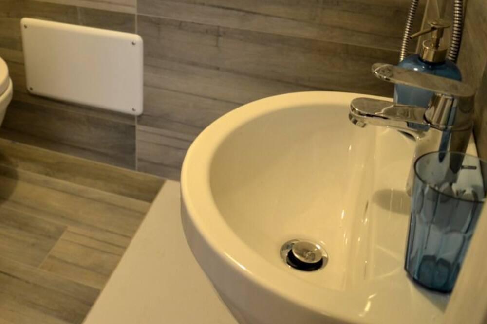 Tek Büyük veya İki Ayrı Yataklı Oda, Özel Banyo - Banyo