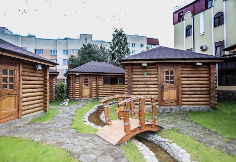 Hotel Ohotnichia Usadba, Pushkin, Courtyard