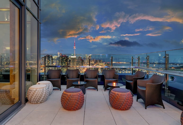 Hotel X Toronto by Library Hotel Collection, Toronto, Hotelli sohvabaar