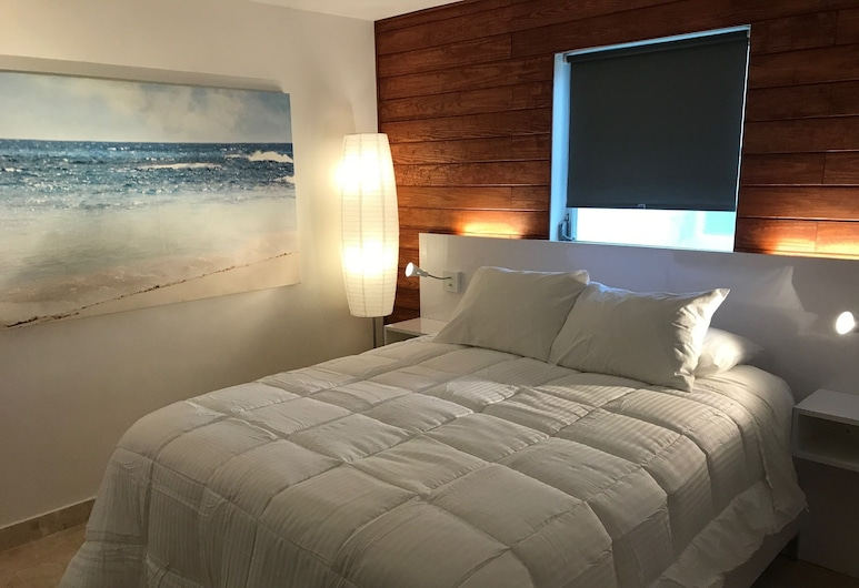 Wave Beach Vacation Rentals, Pompano Beach, Two Bedroom Apartment, Guest Room