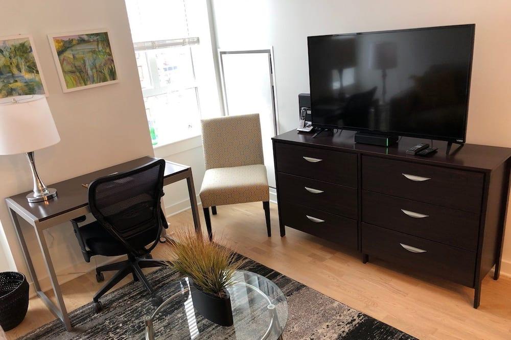 Luxury Apartment, 1 Bedroom, City View, Executive Level - Room