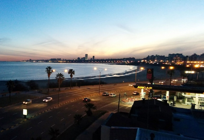 Apartment in Front of the Beach, Montevideo, Bãi biển