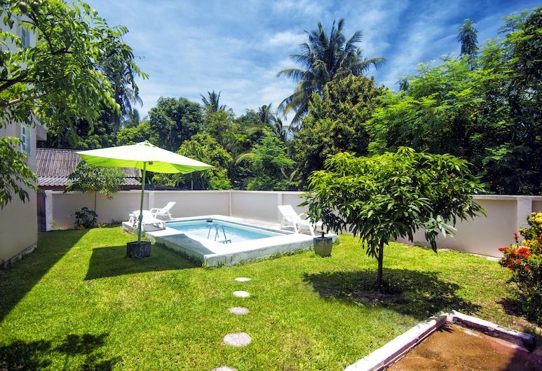 فيلا أديل بانج تاو 2 بدروم هاوس, تشوينج ثالي, حمام سباحة