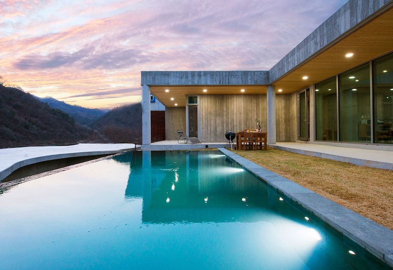 Heritis Poolvilla, Hongcheon