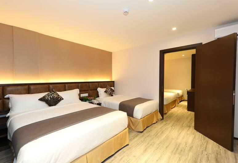 M & M Hotel KL Sentral, Kuala Lumpur, Family Triple Room, Guest Room
