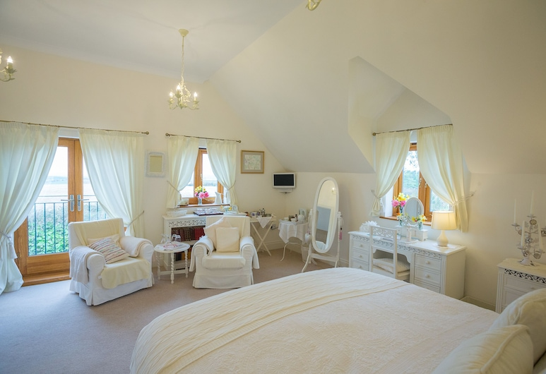 Higher Gitcombe Boutique Bed and Breakfast, Totnes, Executive Suite, Jetted Tub, Guest Room
