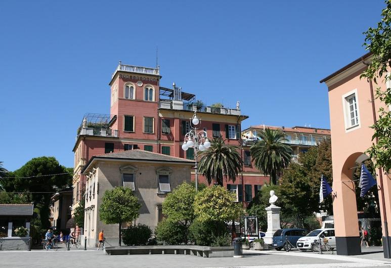 凡諾尼皇宮飯店, Levanto, 飯店正面