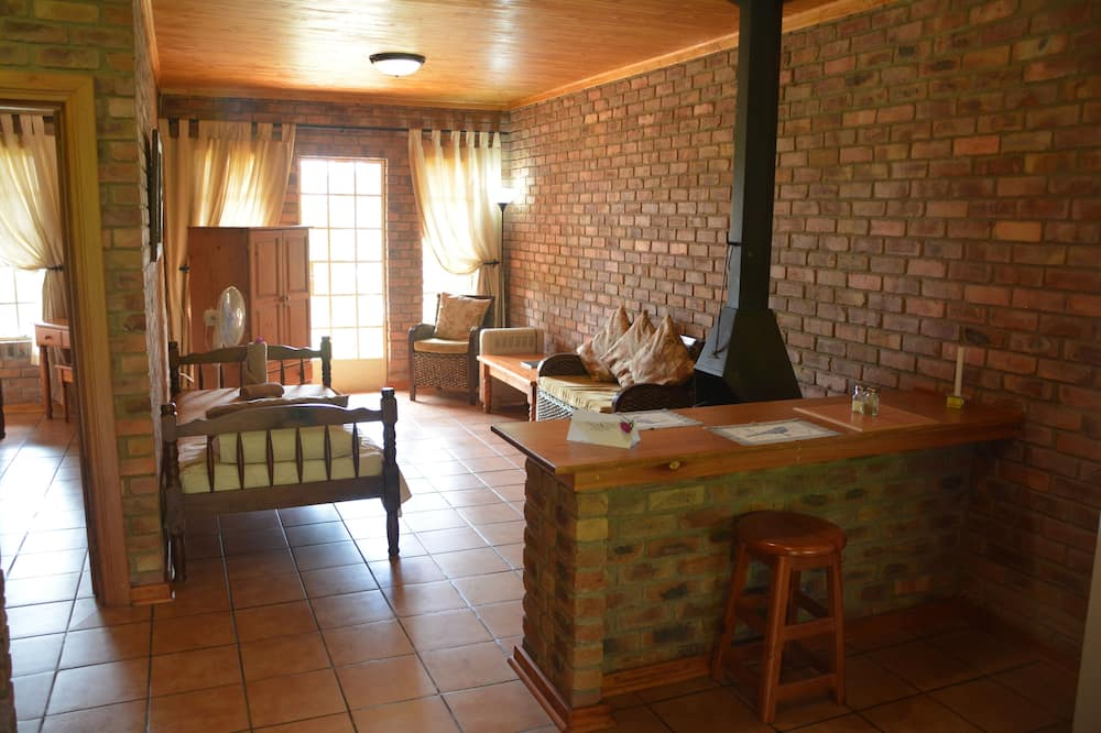 Bungalow (Twin) - Living Area