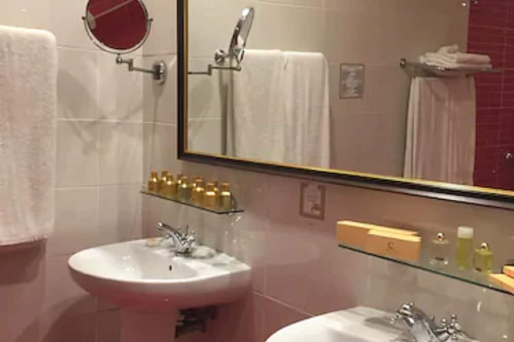 스탠다드룸 (Triple) - 욕실