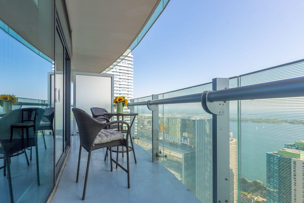 City Suite, 1 Bedroom, Lake View - Balcony
