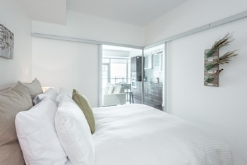 Picture of Noel Suites - York and Bremner in Toronto