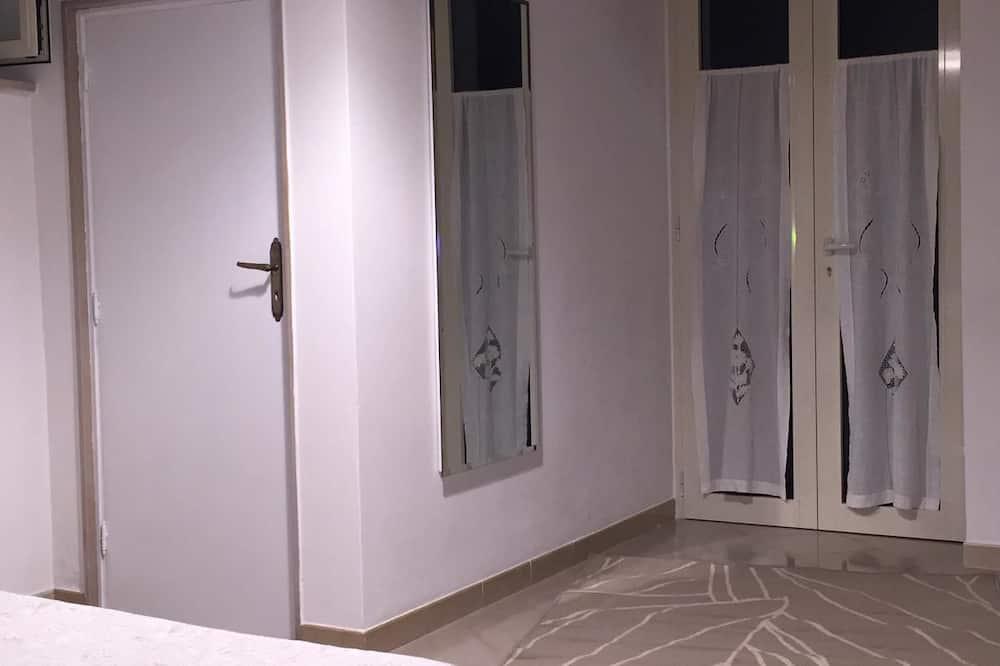 Osnovna dvokrevetna soba, 1 queen size krevet - Interijer hotela