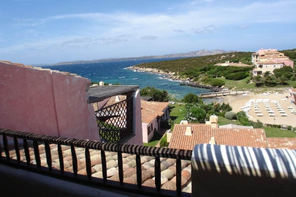 Apartment in Cala del Faro - Porto Cervo 90 sq m with 2 large terrraze facing the sea, Arzachena