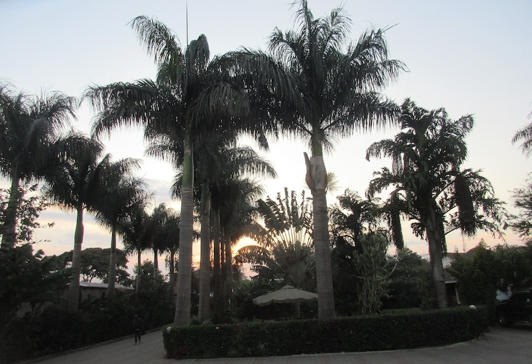 The Charity Hotel, Arusha, Teren przynależny do obiektu