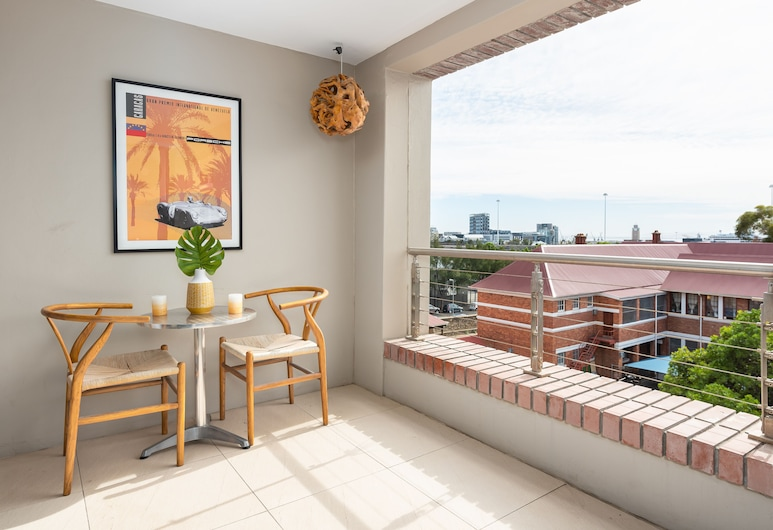 Rockwell 202, Cape Town, Comfort Apartment, Balcony