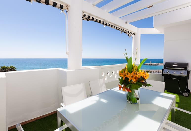 Banus Waterfront Penthouse, Marbella