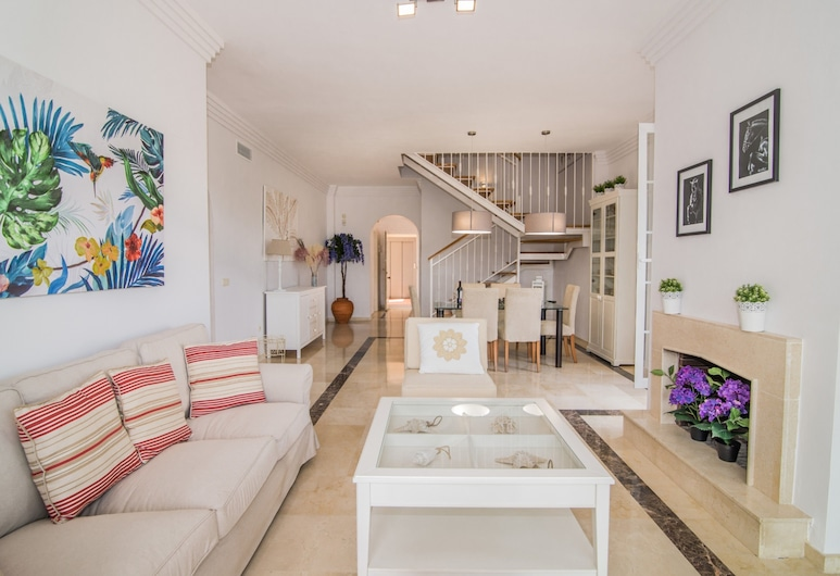 River Garden Spacious Penthouse, Marbella, Penthouse, 3 slaapkamers (Rooftop Terrace), Woonkamer