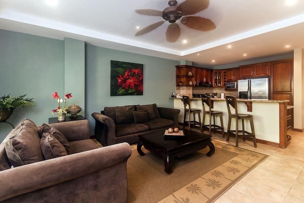 Deluxe Apartment, 2 Bedrooms, 2 Bathrooms, Ground Floor - Living Area