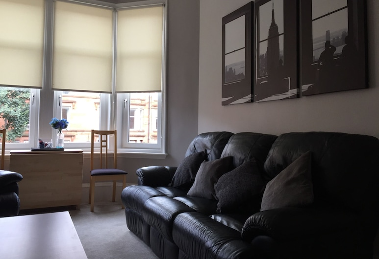 Great Location 2 Bed West End Flat, Glasgow, Apartment, 2 Bedrooms, Living Room