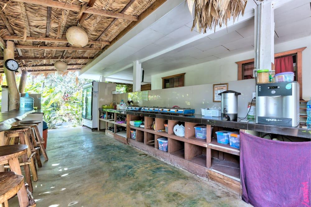 Standard Double Room, Shared Bathroom, Beachfront - Dapur berkongsi