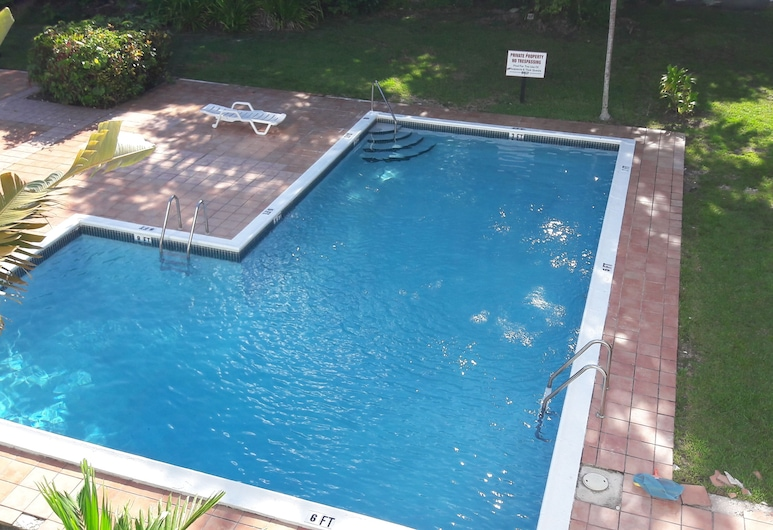 Lakeview Vacation Rental, Freeport, Outdoor Pool