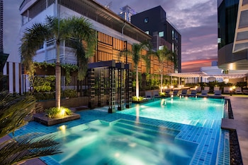 Enter your travel dates, check our Bangkok last minute prices