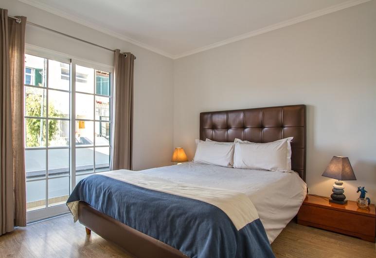 Old Town House Madeira, Funchal, Comfort városi lakás, 2 hálószobával, mozgássérültek számára is hozzáférhető, Tengerre néző, Szoba