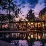 Sunset Del Mar Resort