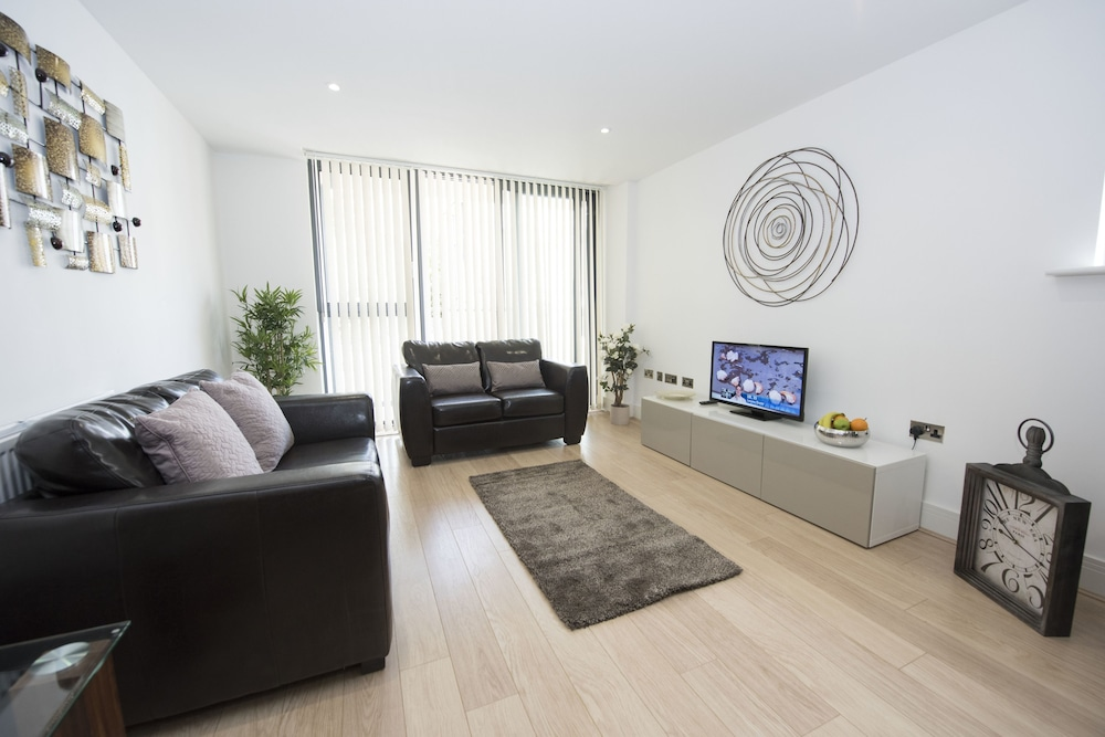 Charles Court Serviced Apartments, Brighton