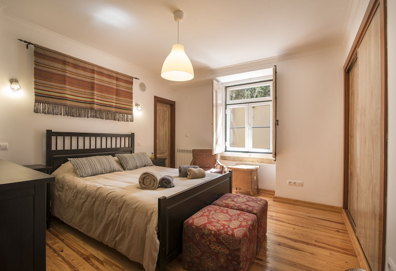 Grand Parliment Duplex by Homing, Lisboa, Duplex, 3 soverom (1st and 2nd floor), Rom
