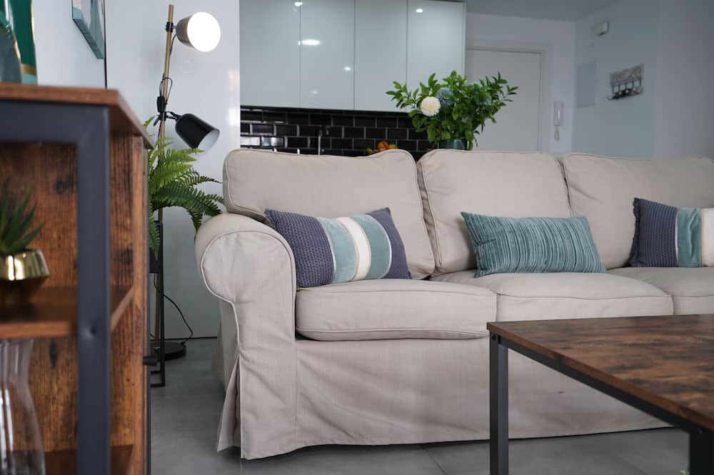 Apartment, 1 Bedroom (Placentines II) - Living Room
