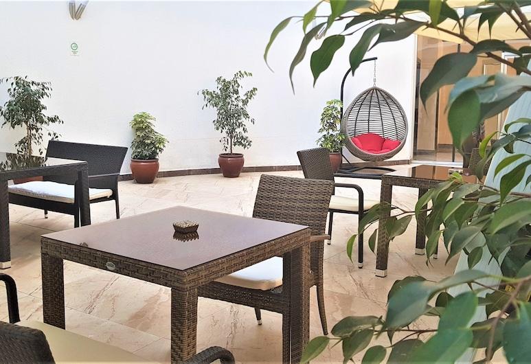 Best Western Plus Addis Ababa, Addis Ababa, Terrace/Patio