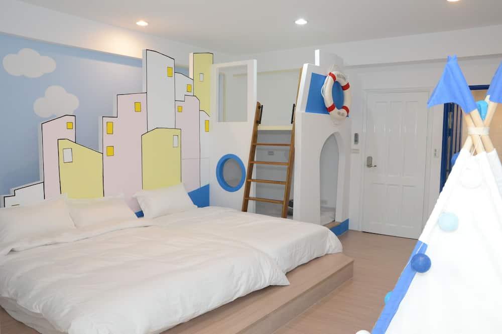 Superior Triple Room (301) - Children's Theme Room
