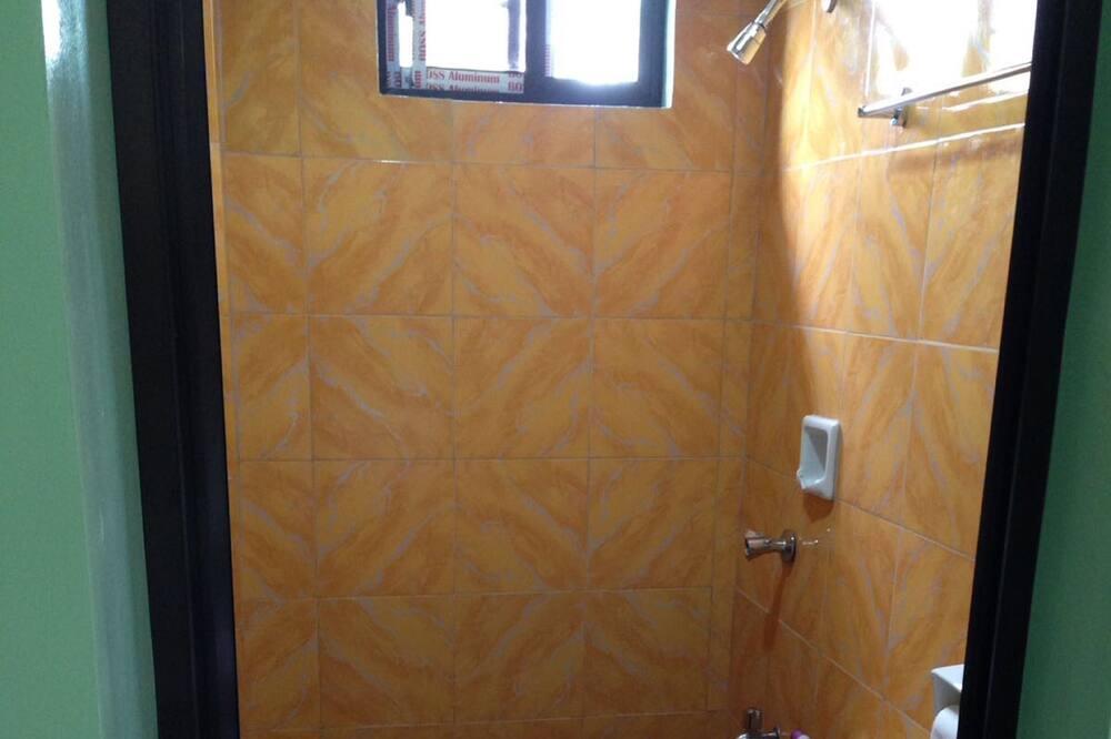 Familien-Doppelzimmer - Badezimmer