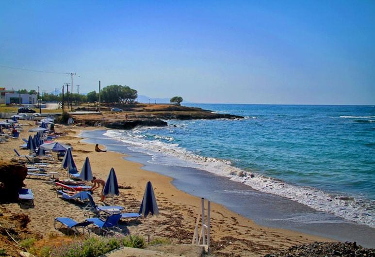 Beach Front Villa Peri, Gouves, Pláž