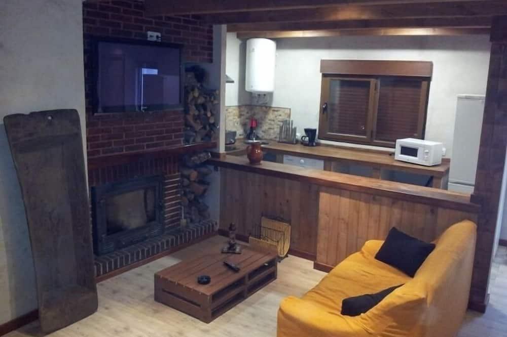 Casa, 2 habitaciones, bañera de hidromasaje - Sala de estar