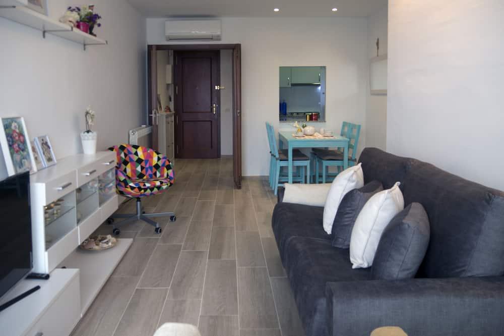 דירה, 3 חדרי שינה, מרפסת - סלון